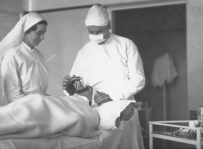 Group of Napier Hospital medical staff in the operating theatre
